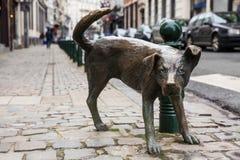 Dog peeing statue called Zinneke Pis