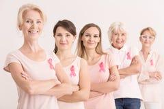 Brustkrebs-Nächstenliebekonzept Stockbilder