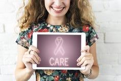 Brustkrebs-Stützkampf-Sorgfalt-Hoffnungs-Grafik-Konzept Stockbild