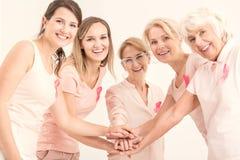 Brustkrebseinheit und -freundschaft Stockfotografie