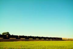 Brut sur le rail photo stock