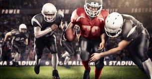 Brutalna futbolowa akcja na 3d sporta arenie dojrzali gracze z piłką Zdjęcia Stock