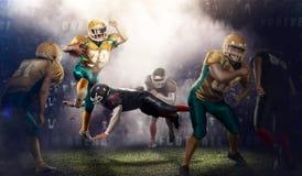 Brutalna futbolowa akcja na 3d sporta arenie dojrzali gracze z piłką Obraz Stock