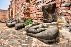 Bruten Buddha staty, Ayutthaya Arkivbild