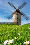 Bruten gammal väderkvarn i Skerries, Irland, Europa arkivfoton
