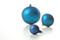 Bruten glass boll för jul - Royaltyfri Bild