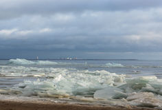 Bruten is på sandkusten Arkivfoto