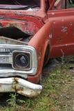 Bruten röd lastbil Royaltyfri Fotografi