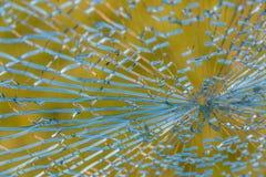 Brutet glass fönster i hushem Fotografering för Bildbyråer