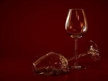 Brutet tomt vinexponeringsglas Arkivbild