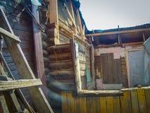 Brutet wood hus Royaltyfri Fotografi