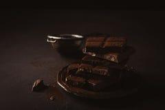 Brutna chokladstycken Royaltyfri Foto