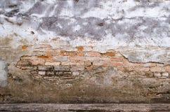 Brutna tegelstenar Arkivbild