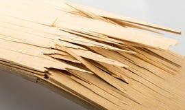 Brutna träplankor Arkivfoto