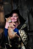 Bruxa com um gato imagem de stock royalty free