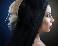 Bruxa e seu familiar, retratos do perfil foto de stock