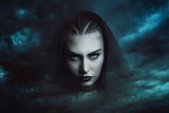 Bruxa poderosa da tempestade fotos de stock royalty free