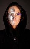 Bruxa Two-faced que olha à câmera Imagens de Stock Royalty Free