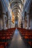 BRUXELAS, BÉLGICA 23 DE NOVEMBRO DE 2014: A catedral de St Michael e de St Gudula, catedral das pessoas de 1000 anos na capital Foto de Stock Royalty Free