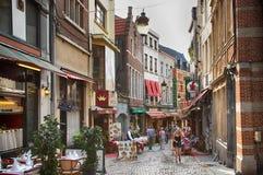 Bruxelas, Bélgica Vista no stre do DES Bouchers da rua foto de stock royalty free