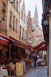 Bruxelas, a rua do carniceiro pequeno (pequenos bouchers do DES da rua) Fotografia de Stock