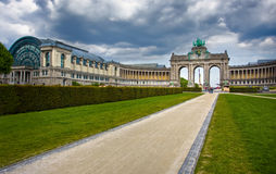 Bruxelles. Arco trionfale famoso fotografia stock