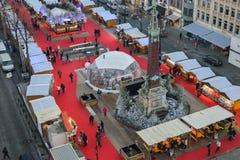 BRUXELLES, BELGIO - 5 dicembre 2016 - vista aerea del mercato di Natale del quadrato di Catherine del san Fotografia Stock