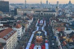 BRUXELLES, BELGIO - 5 dicembre 2016 - vista aerea del mercato di Natale del quadrato di Catherine del san Fotografie Stock Libere da Diritti