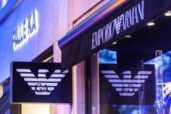 Bruxelles, Bruxelles/Belgique - 13 12 18 : le magasin d'armani d'emporio signent dedans Bruxelles Belgique image stock