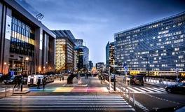 Bruxelles, Schumann a punta rotonda, Commissione e Consiglio fotografia stock