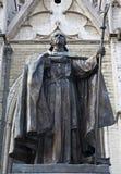 Bruxelles - statue cardinale de Mercier par la cathédrale Photo libre de droits