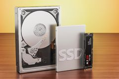 Bryła - stanu prowadnikowy SSD, dysk twardy Prowadnikowy HDD i M2 SSD na zalecającym się ilustracji
