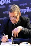 Bryan Peterson signe ses livres à Varsovie Image stock