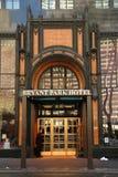 Bryant Park Hotel i midtownen Manhattan Arkivbilder