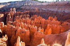 bryce峡谷不祥之物点燃了日落 免版税库存图片