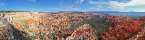 bryce峡谷国家公园美好的全景  库存图片