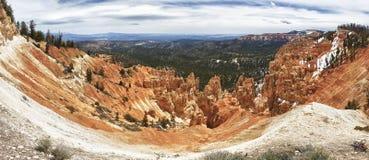 bryce峡谷形成沉淀公园的岩石 免版税库存图片