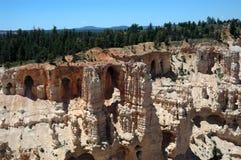 bryce峡谷洞穴砂岩 免版税库存照片