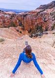 Bryce Canyon Amphitheatre que se sienta y de desatención Fotos de archivo libres de regalías