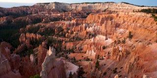 Bryce Canyon en el punto de la salida del sol fotografía de archivo