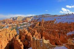 Bryce Canyon National Park med snö, Utah, Förenta staterna Arkivbilder