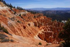 Bryce Canyon rockscape. Hoodoos, pine trees and red rock at Ponderosa Point, Bryce Canyon National Park, Utah stock photos