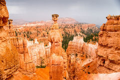Bryce Canyon spectaculaire comme tempête s'approche Photographie stock