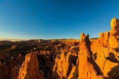 Bryce Canyon, Utah, perspectieflandschap in de herfst bij zonsopgang Royalty-vrije Stock Foto's