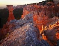 Bryce Schlucht-Nationalpark-Kontrolltürme am Sonnenaufgang, Utah Stockbild