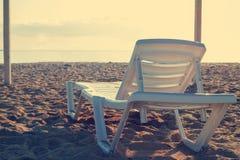 Bryczka hole na plaży obraz stock