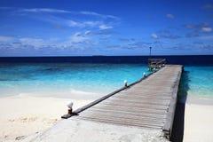 Brygga av den maldivian ön Royaltyfri Foto