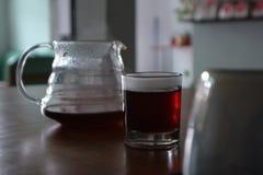 Brygga ditt kaffe i dag royaltyfria foton