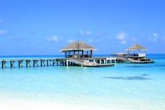Brygga i Maldiverna Royaltyfria Bilder