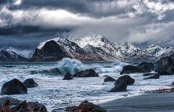 Brygga stormen - dåligt väder kommer royaltyfria bilder